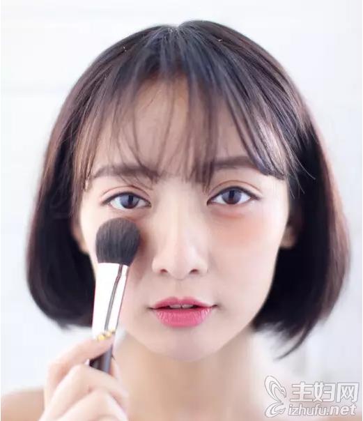 资讯【腮红怎么打美妆效果好】5大不同性质腮红的使用方法